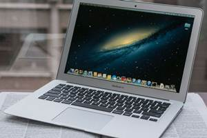 Apple MacBook Ari 13